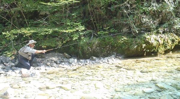 Le repos familial à podmoskove avec les enfants la pêche